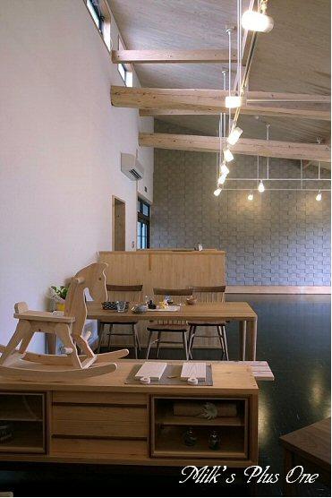 木のコトカフェ内装.jpg